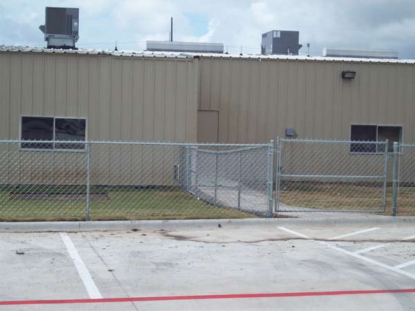 Apple Fence Company Austin TX - Commercial Security Fence